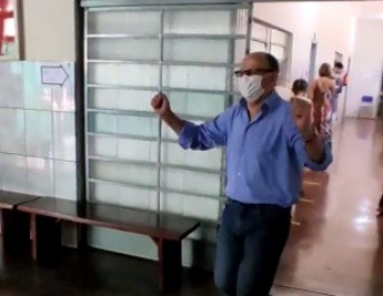 Doutor Batista vota no Colégio Vital Brasil