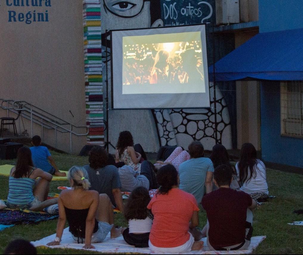 Projeto 'Cinema a Céu Aberto' ocorre nessa quarta-feira (30)