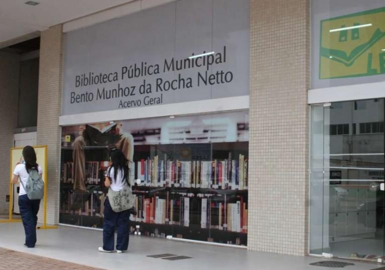 Bibliotecários em Maringá se mobilizam em campanha eleitoral