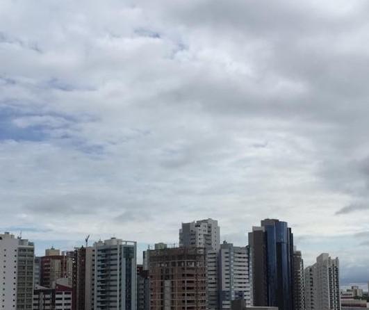 Frente fria chega ao Paraná neste sábado; Maringá tem dia nublado e com máxima de 31°C
