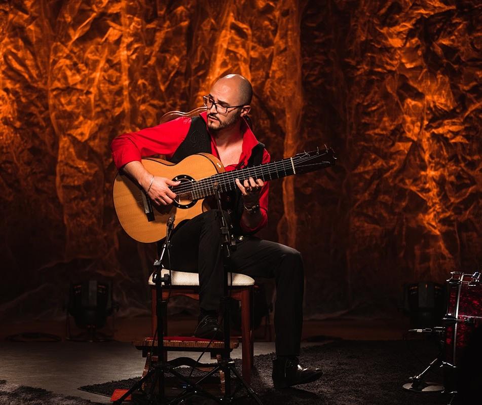 Do flamenco à música brasileira, violonista Diego Salvetti lança DVD