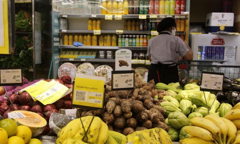 Prefeitura vai recorrer a decisão judicial que permitiu supermercado abrir no feriado