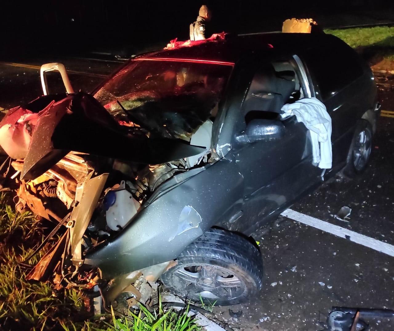 Motorista morre após bater contra placa na PR-182, em Umuarama