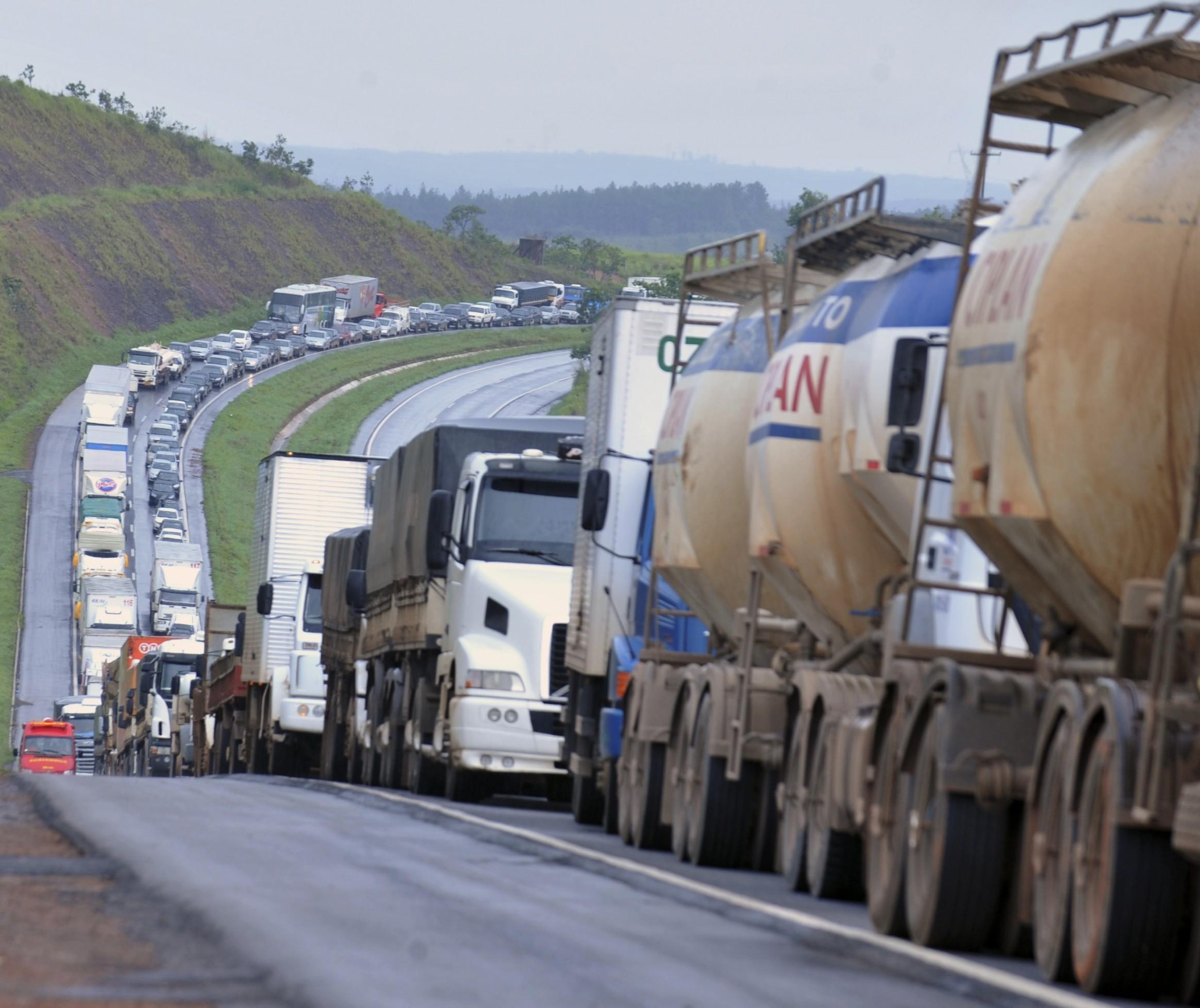 Greve dos caminhoneiros gerou perda de R$ 60 bi