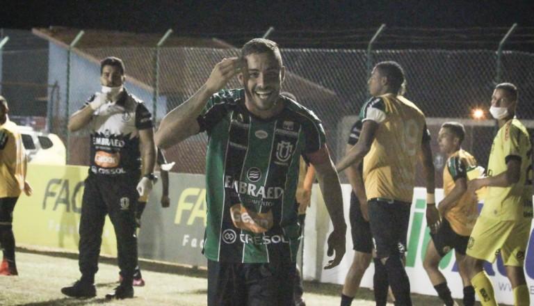 Fora de casa, Maringá FC supera o Cianorte e vence a primeira no Campeonato Paranaense