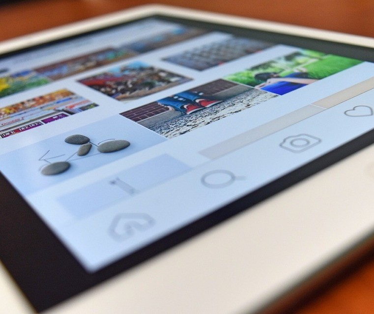 Projeto de lei pretende coibir abusos de posts patrocinados na internet
