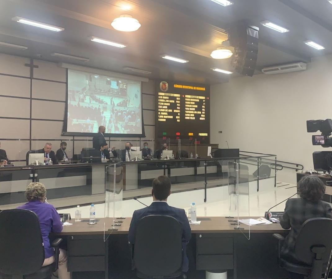 Sessão tumultuada: vereadores retiram de pauta requerimento de Cris Lauer