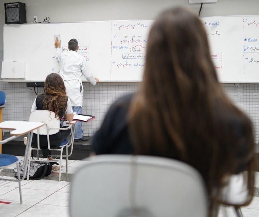 Aumenta em mais de 440% o número de alunos reprovados na rede municipal de ensino