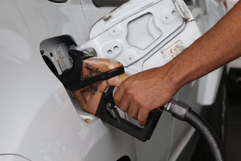 Maringá tem a 2ª gasolina mais cara do Paraná, o que fazer para economizar?