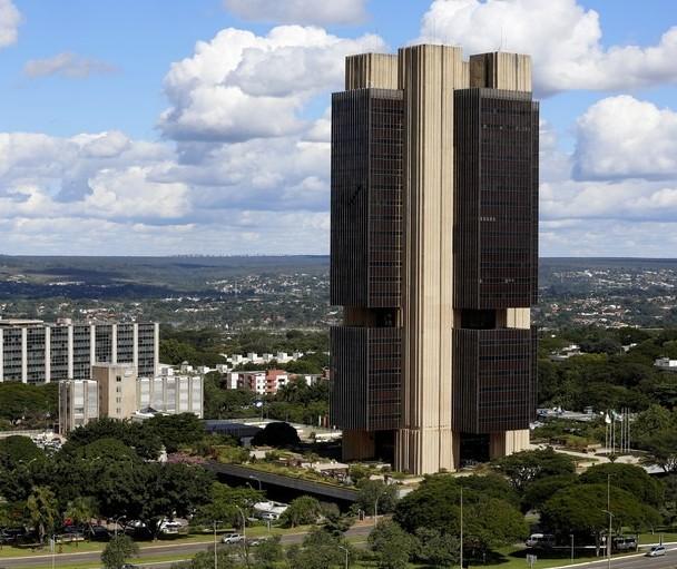 Banco Central utiliza US$ 1 bilhão para fazer cotação reduzir