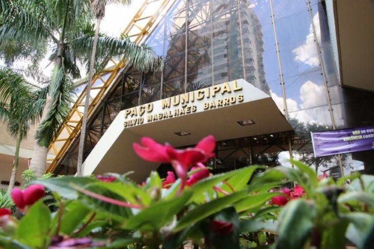 Novo decreto libera cinemas e visitação aos parques de Maringá