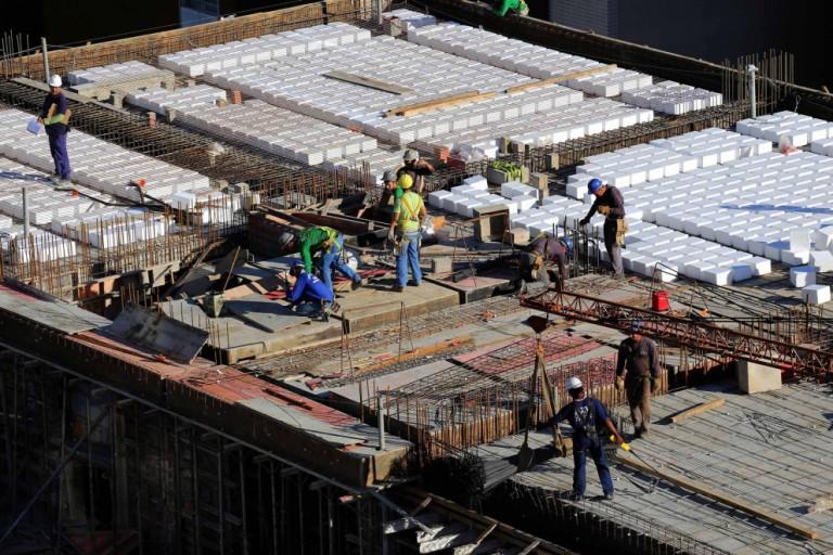 Construção civil busca saídas para a escassez dos insumos