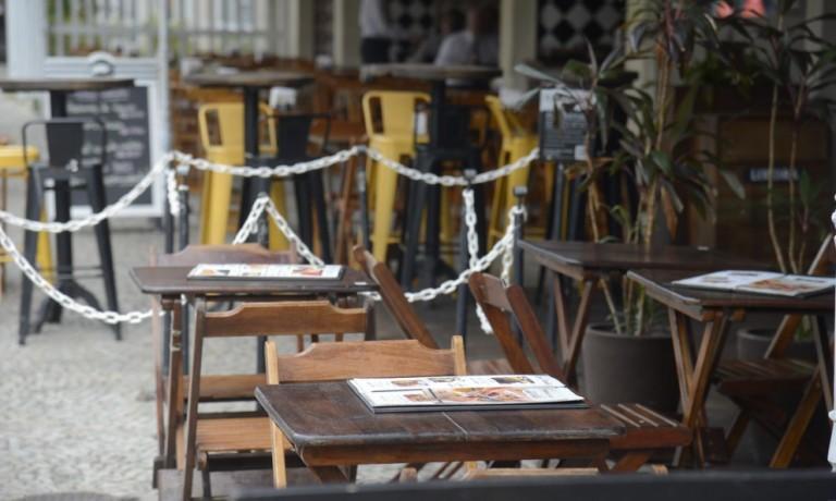 Ao menos 40 empresas do setor gastronômico fecharam em Maringá