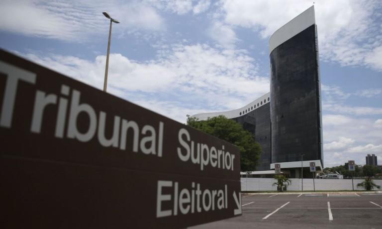 TSE decide cassar dois deputados estaduais do Paraná