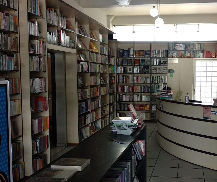 Livraria faz entrega para que as pessoas não parem de ler
