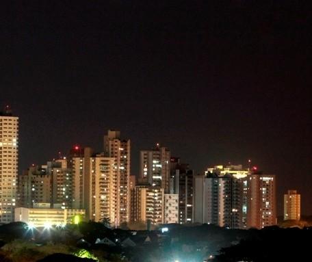 Cerca de 1,6 mil imóveis ficam sem energia em Maringá