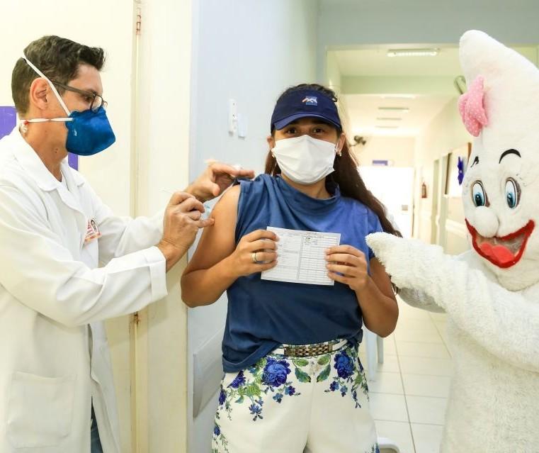 15ª Regional de Saúde notifica Prefeitura de Maringá por vacinar adolescentes sem comorbidades