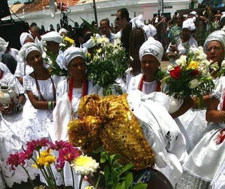 UEM realiza evento para apresentar religiões afro-brasileiras