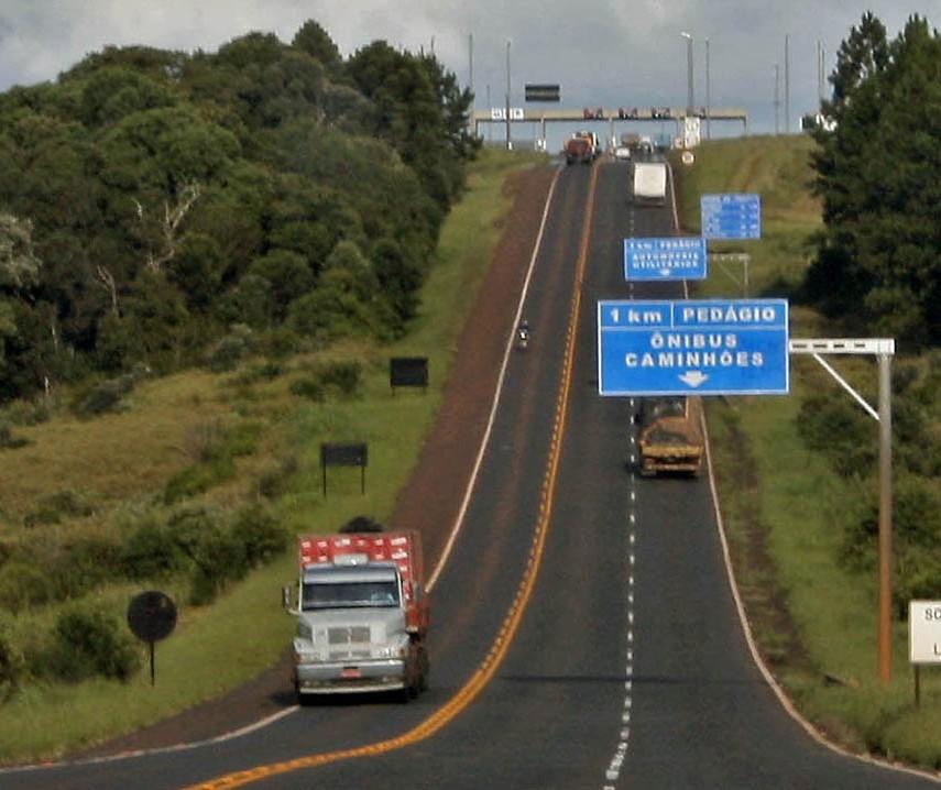 Família procura R$ 52 mil que perdeu durante viagem na BR-277