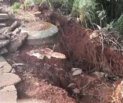 Força da chuva abre uma cratera em fundo de vale em Maringá