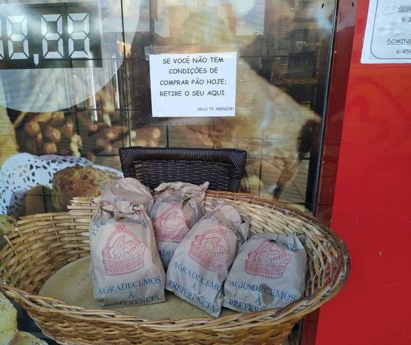 Maringá: Padaria disponibiliza cesta com pães gratuitos para quem não pode comprar