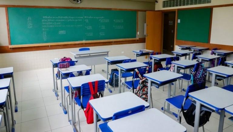 Escolas municipais iniciam ano letivo em fevereiro com aulas híbridas