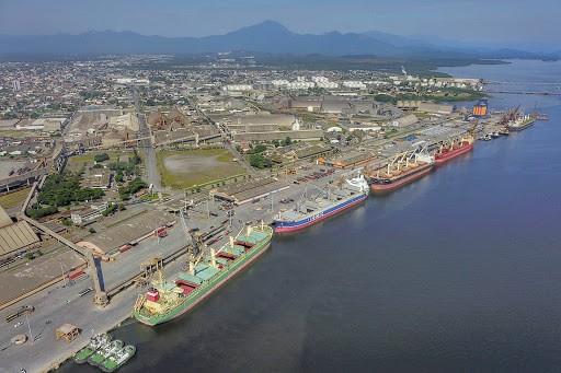 Porto de Paranaguá prevê aumento de 11% nas exportações de granéis no 1º tri