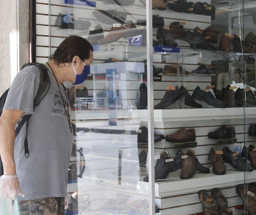 Municípios da região de Maringá vão abrir o comércio nesse sábado (12)