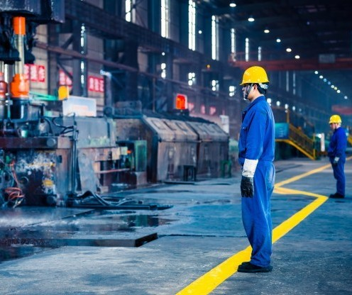 Novo decreto traz regras para funcionamento da indústria e construção