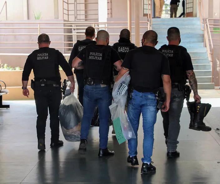 Policial rodoviário é preso em nova fase da operação Força e Honra na região