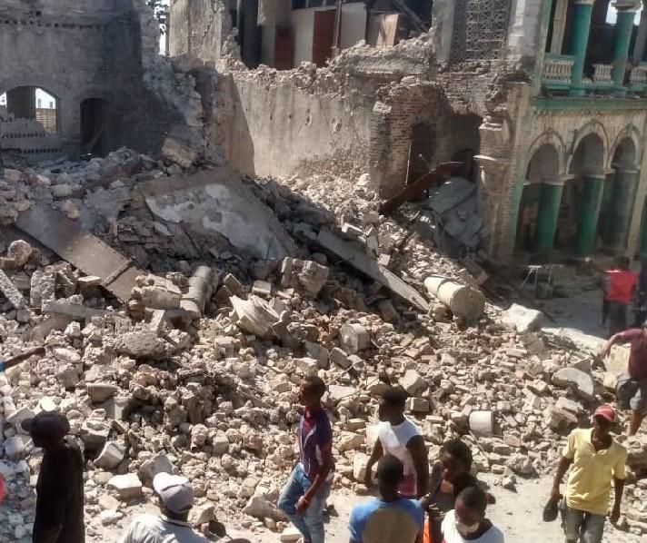 Cidadania mapeia haitianos com parentes nas regiões atingidas por terremoto
