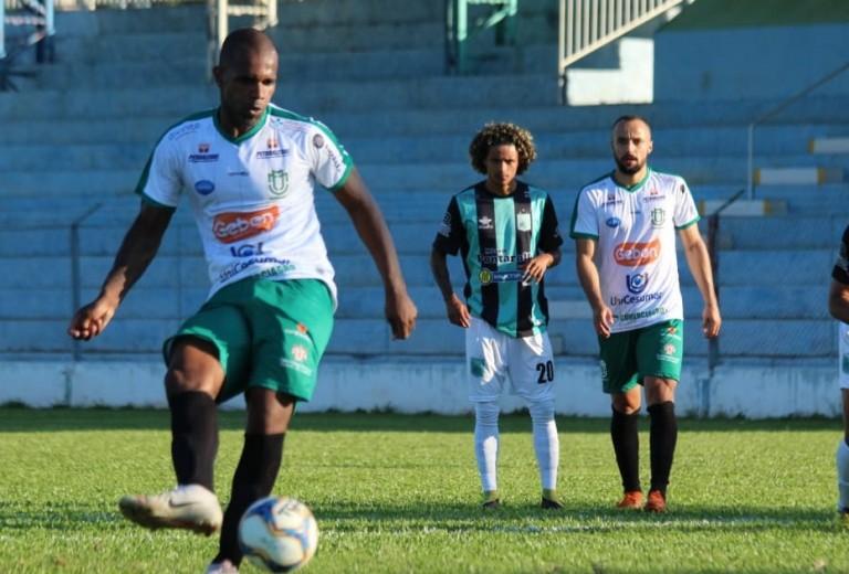 Isolado na liderança, Maringá FC fecha série de jogos fora de casa