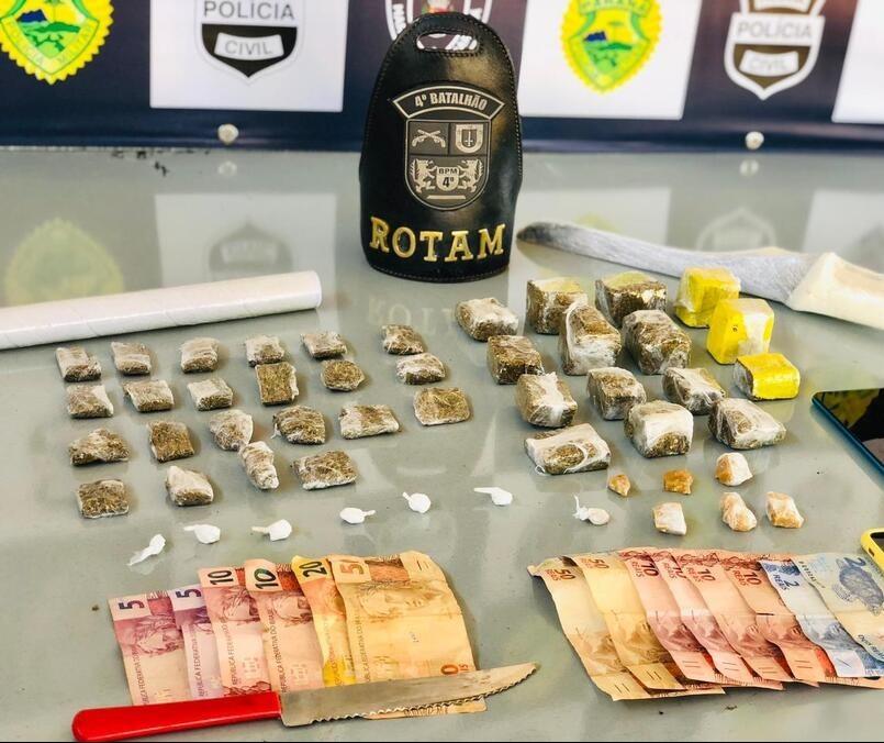Dupla é presa com maconha, cocaína e crack em Maringá