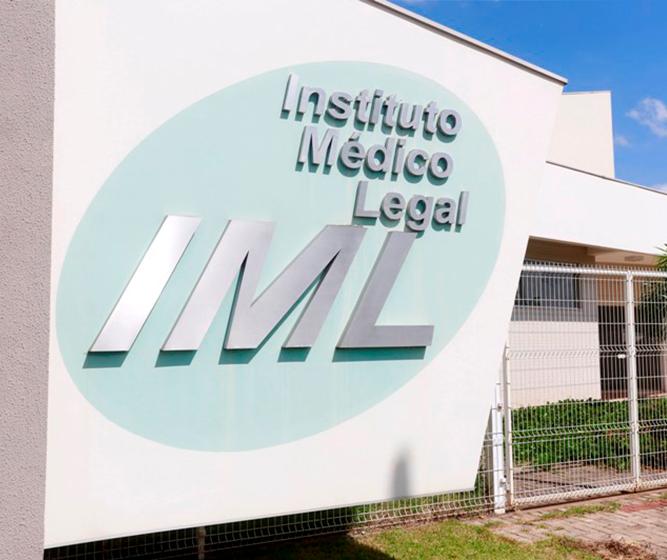 Bolsistas da UEM vão atuar no IML de Maringá por quatro meses