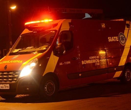 Motorista e passageiro de táxi morrem em acidente em Maringá