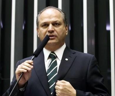 Deputado Ricardo Barros está com suspeita de coronavírus