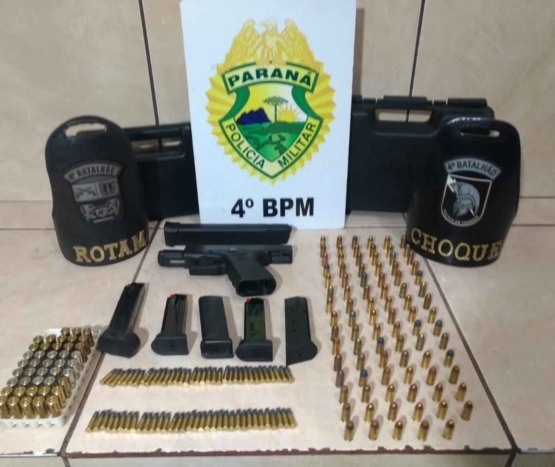 Idosa é detida após PM encontrar pistola e munições na casa dela
