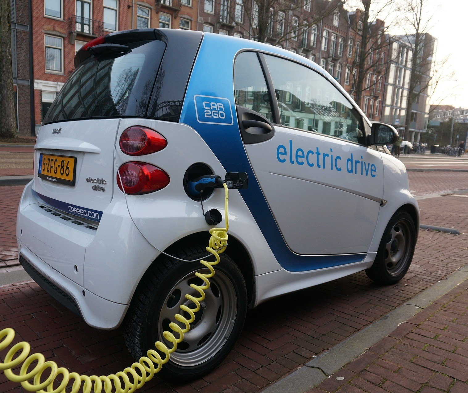 Frota de carros elétricos vai abrir novas oportunidades e responsabilidades