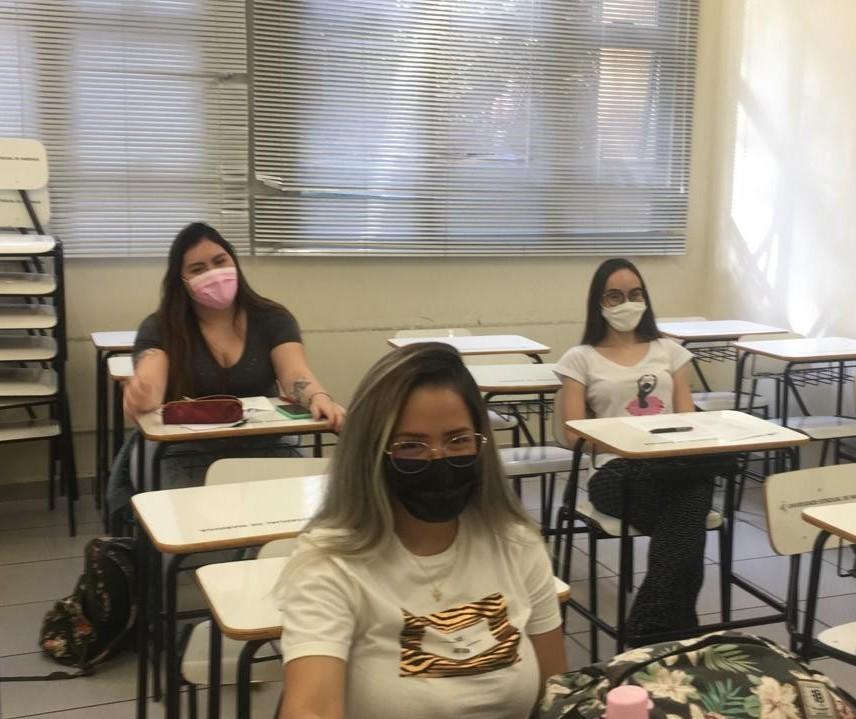 Ano letivo na UEM começa com aulas práticas presenciais na área da saúde