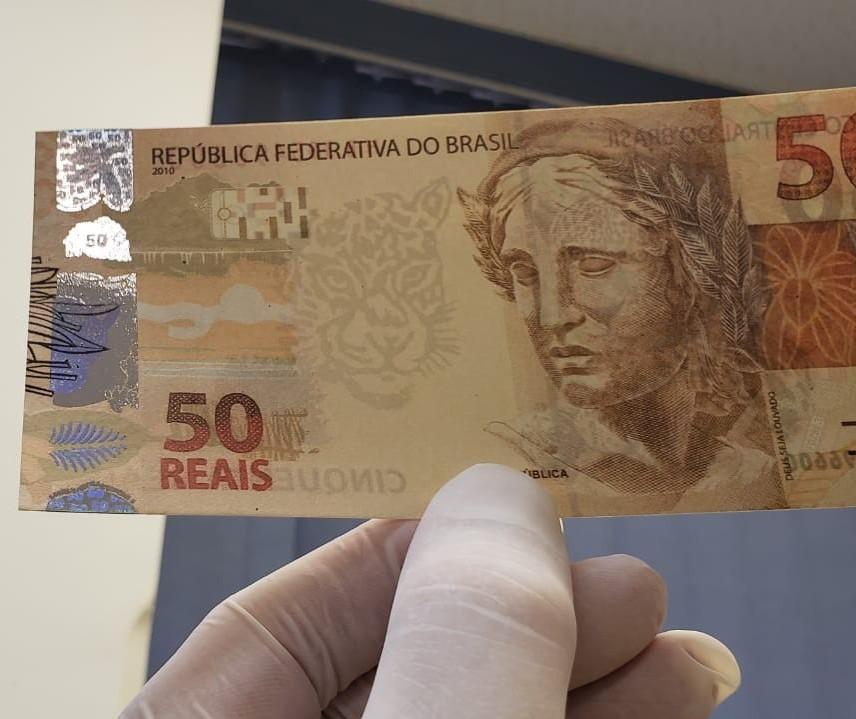 Homem é preso em flagrante pela Polícia Federal com R$ 1 mil em cédulas falsas em Maringá