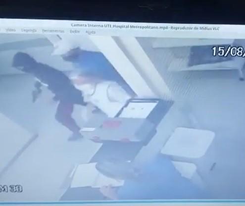 Polícia divulga vídeo de homens armados invadindo hospital em Sarandi