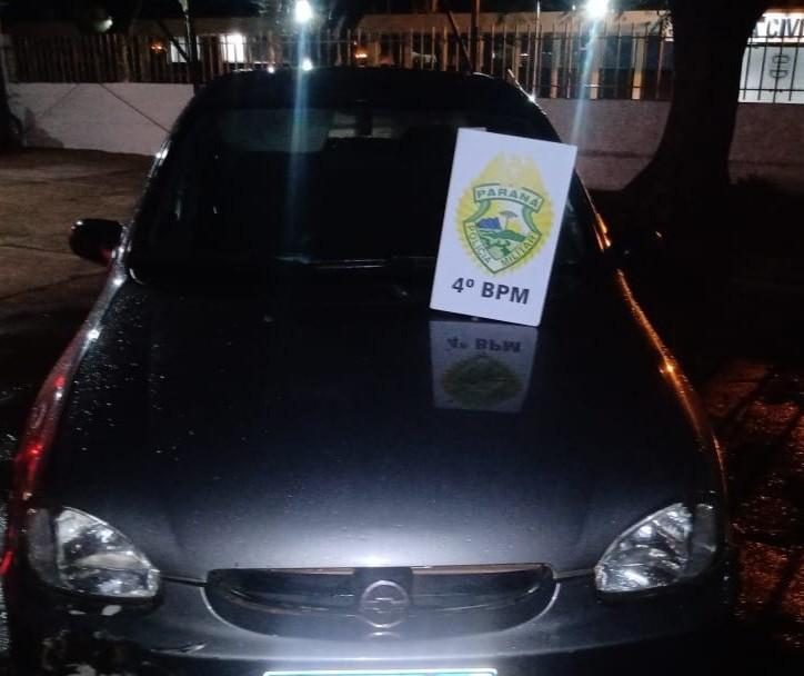 Adolescente é apreendido dirigindo carro roubado em Maringá