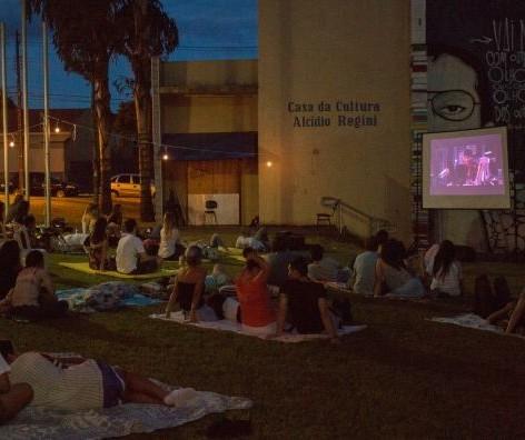 """Filme """"Deus é Brasileiro"""" será exibido nessa quinta-feira (26) em Maringá"""