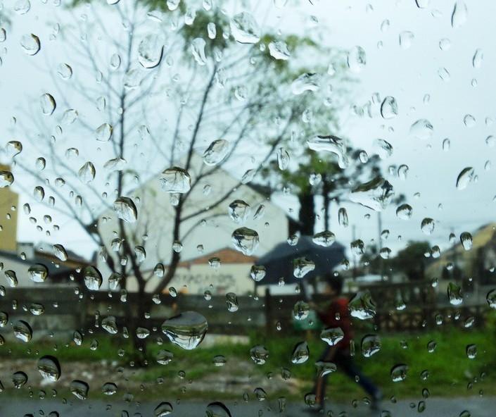 Maringá tem previsão de chuva e frio para este sábado (28)