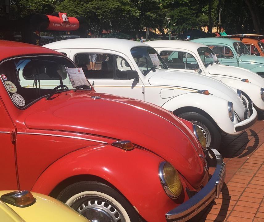 Exposição de fuscas e carros antigos é atração neste domingo (26)