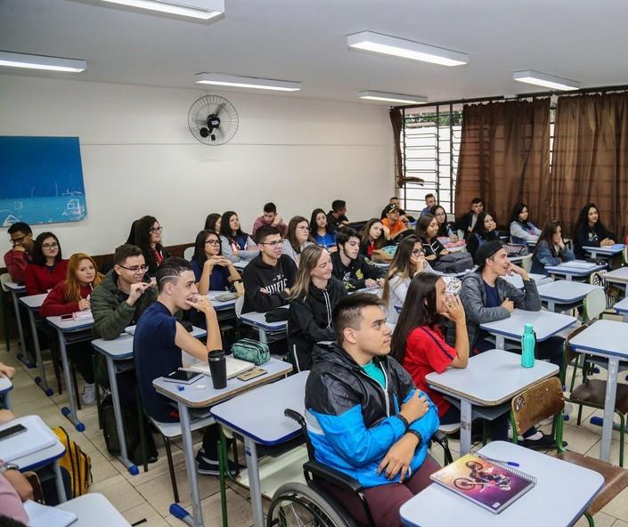 Como está o desenvolvimento da educação em nossa região?