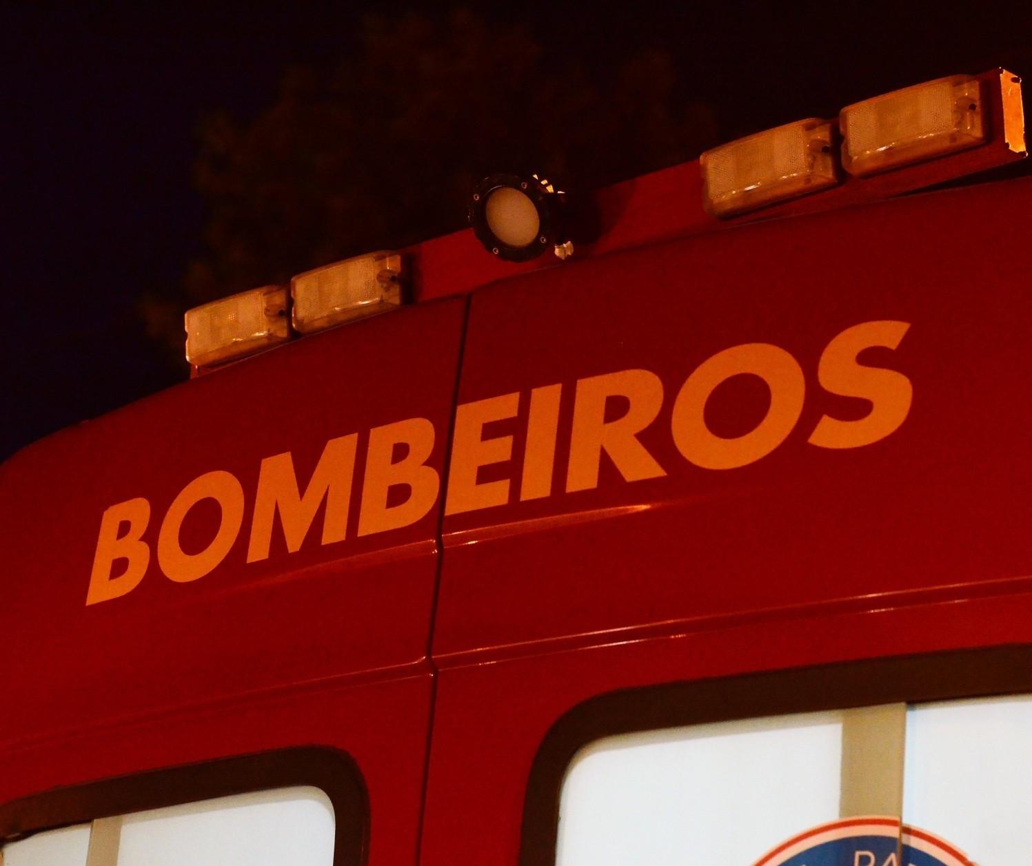 Moto pega fogo e motociclista morre em acidente em Astorga