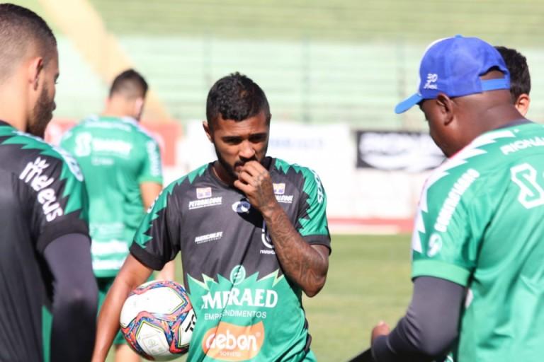 MFC enfrenta o Paraná Clube nesta quarta-feira (21) em Curitiba