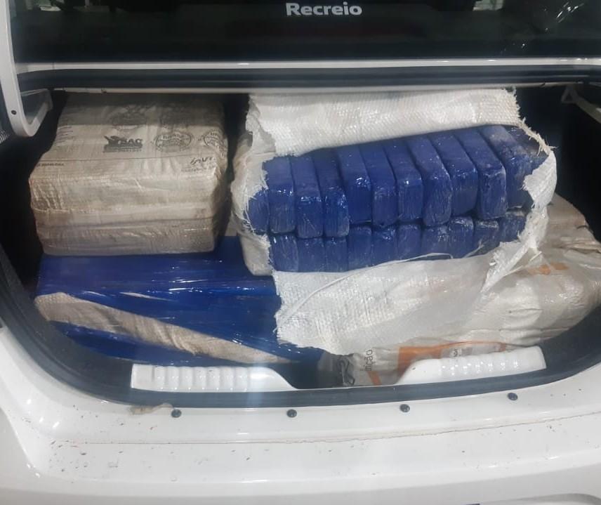 PRF apreende 302 quilos de maconha em Mandaguari