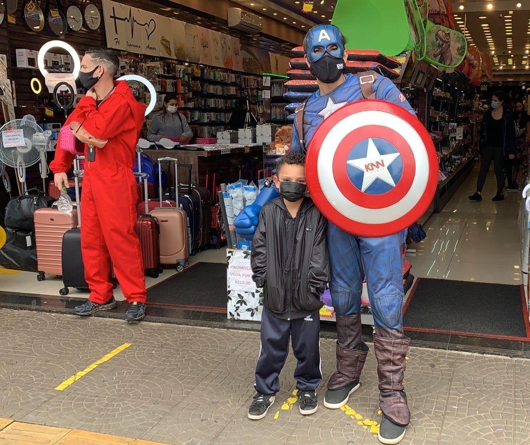 Lojas de Maringá movimentadas com as compras de presentes para o Dia das Crianças